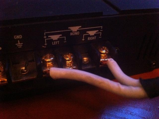 Как к компьютеру подключить сабвуфер