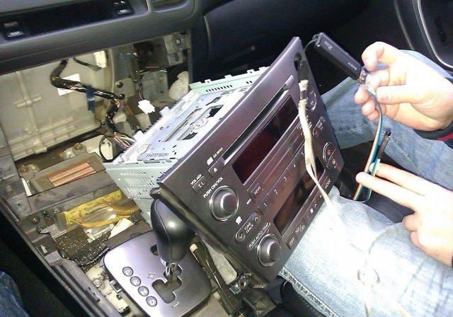 Как подключить флешку к автомагнитоле
