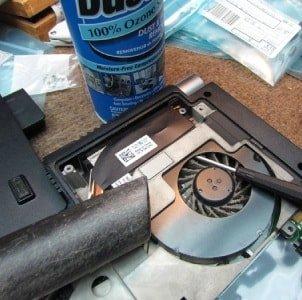 Чистка ноутбука от пыли в домашних условиях