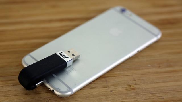 Как подключить флешку к Айфону