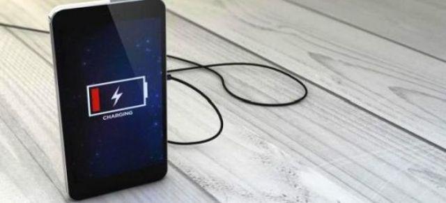 Что делать, если при зарядке телефона аккумулятор разряжается